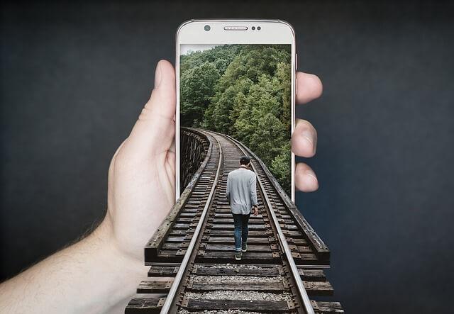 Pôžička cez smartfón, alebo ako s telefónom na pôžičku